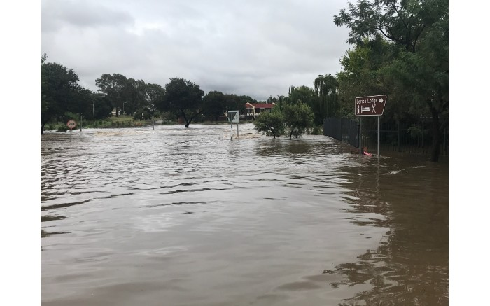 The Hennops River overflowed in Centurion and several roads have been closed. Picture: Christa Eybers/EWN.