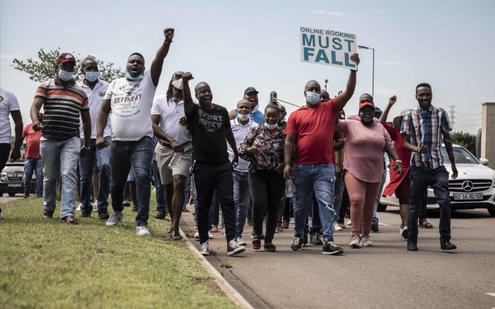 Protesters move closer to the offices after being granted permission to do so. Picture: Abigail Javier/EWN