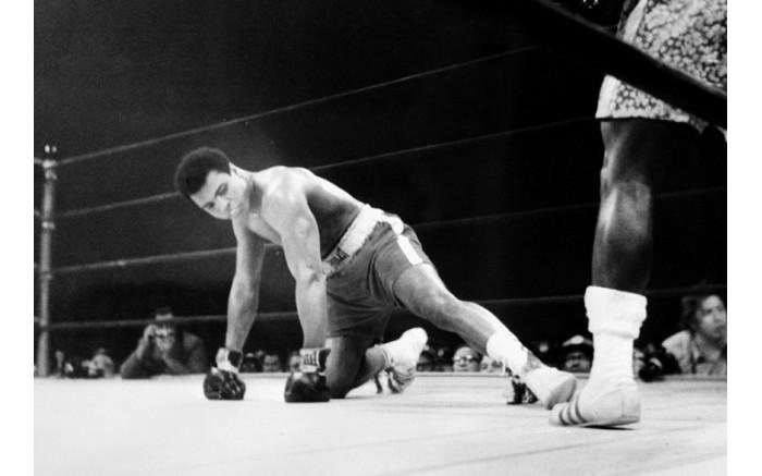 Heavyweight boxing world championship fight between Muhammad Ali and Joe Frazier.