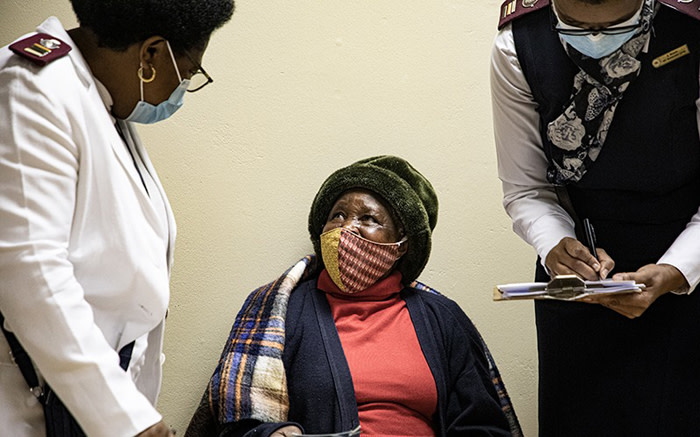 In Gauteng, government hopes to vaccinate 1.3 million senior citizens, which means 36,000 people a day. Picture: Xanderleigh Dookey Makhaza