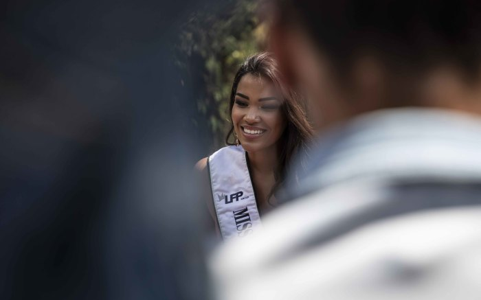 Miss South Africa Sasha-Lee Olivier also joined the bus tour.
