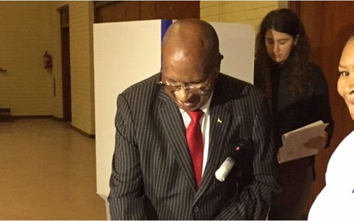 Struggle stalwart Andrew Mlangeni casts his vote in Kenilworth, Cape Town. Picture: Gaye Davis/EWN