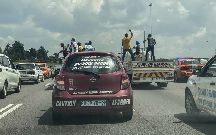 The protesters make their way to Johannesburg to hand their memorandum to the Gauteng MEC of Transport. Picture: Abigail Javier/EWN