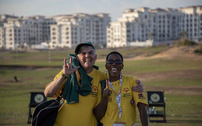 Golfer Honiball Linda and her coach Maidi Lekalakala pose on the Yas Links. Picture: Thomas Holder/EWN
