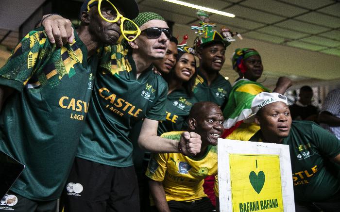 Bafana Bafana supporters at OR Tambo International Airport. Picture: Kayleen Morgan/EWN