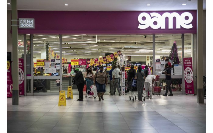Game in Greenstone shopping centre.