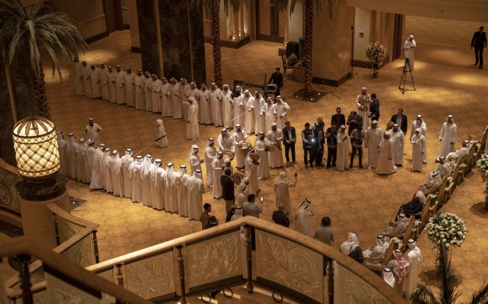 A traditional wedding takes place in the Emirati Palace. This part of the wedding is only for men. Picture: Thomas Holder/EWN