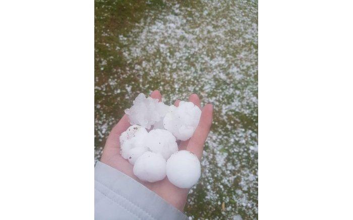 Large hailstones in Roodepoort.  Picture: @StormReportSA
