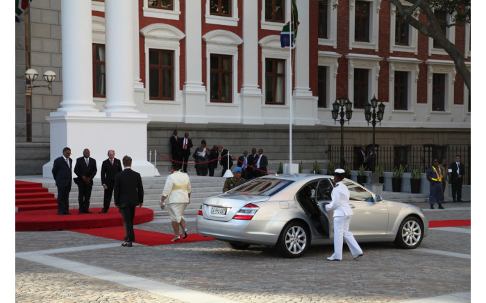The first ladies arriving at SONA 2014.