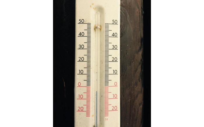 I f...f..f...found this thermometer in D...D...Davos this morning
