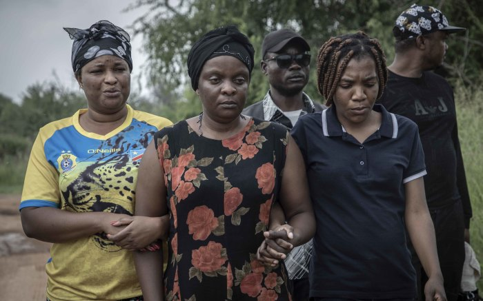 Enock Mpianzi's family walk to the campsite at Nyati Bush and River Break where their son died. Picture: Abigail Javier/EWN