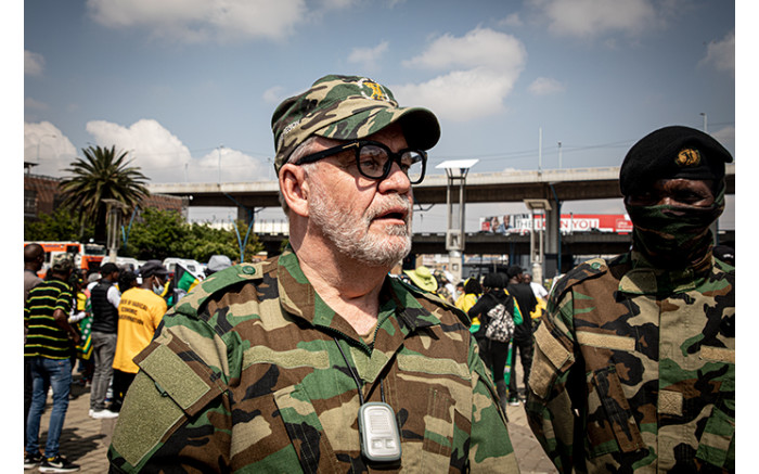 Zuma loyalist Carl Niehaus led the march, insisting Raymond Zondo has been unfair to the former president.