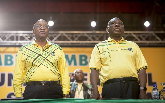 Jacob Zuma and Cyril Ramaphosa sing the national anthem at the ANC's national conference on 16 December 2017. Picture: Thomas Holder/EWN