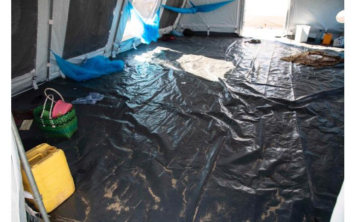 Inside a tent at a relief camp set up for victims of Cyclone Idai who have fled to Beira. Christa Eybers/EWN