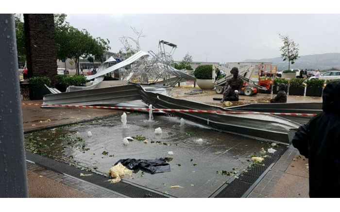 Damage to the roof at Cradlestone Mall in the west of Johannesburg.  Picture: @ReenvalSA