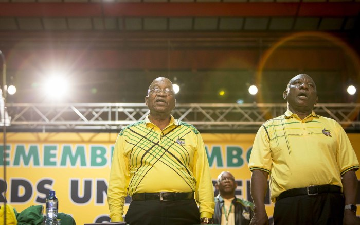 President Jacob Zuma and Cyril Ramaphosa sing the national anthem. Picture: Thomas Holder/EWN.