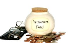 Personal finance expert warns people against cashing retirement funds