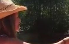 [WATCH] Spreading ashes over a river going wrong has social media talking