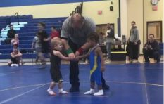[WATCH] Wrestling match between toddlers leaves social media in stitches