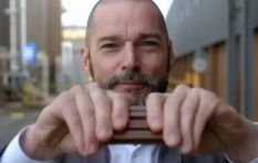 [WATCH] Fred Sirieix breaks Kit Kat all wrong, social media having none of it