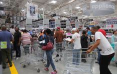 The psychology behind Black Friday Frenzy and FOMO (fear of missing out)