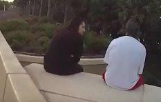 [WATCH] Woman talks suicidal man down from ledge with Linkin Park lyrics