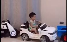[WATCH] Toddler nails parallel parking in toy car and Twitter applauds