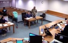 [WATCH] Dramatic moment as judge helps chase two defendants