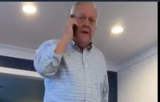 [WATCH] Grandpa with new iPhone wanting to set pictures for contacts goes viral