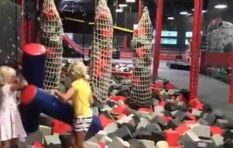 [WATCH] Gladiator game between toddlers has social media in stitches