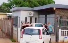 [WATCH] 'Hugo, bel die polisie!' goes viral