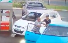 [VIDEO] Man violently assaults motorist who drove into his car at fuel station