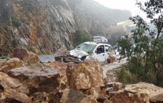 Motorist describes miraculously escaping Franschhoek Pass rock fall