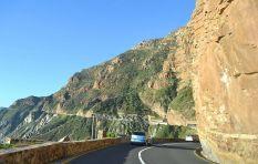 LISTEN: Daredevil motorist drives off Chapman's Peak to escape authorities