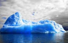 One iceberg, two pictures. Was one of the pictures a stolen copy?