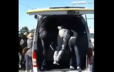 [WATCH] Khayelitsha commuters fight to cram into overcrowded taxi