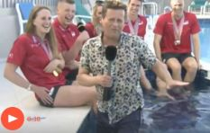 [WATCH] Reporter falls into the pool during Commonwealth Games interview