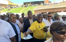 President begins door-to-door campaign in DA stronghold