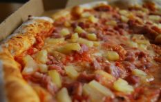 Pizza lovers pick a side: Pineapple or no pineapple?