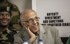 Denis Goldberg and Aaron Motsoaledi bid farewell to Kathrada