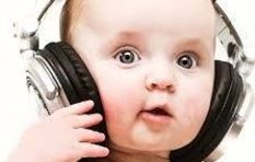 Could high volumes hurt kids' hearing? Mos Deaf!