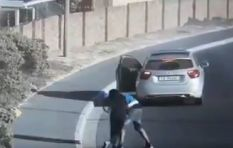 [VIDEO] Muizenberg pedestrian attacked in broad daylight