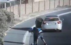 [VIDEO] Muizenberg pedestrian attacked in broad daylight