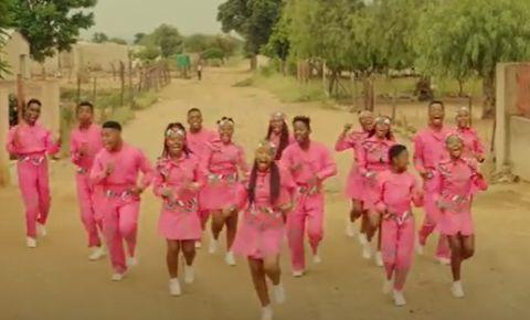 'Jolene' by the Ndlovu Youth Choir