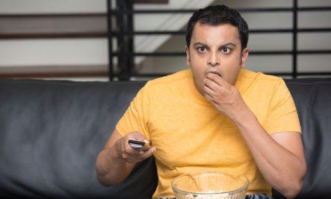 tv-movies-series-binge-watching-streaming-entertainment-couch-potato-123rf