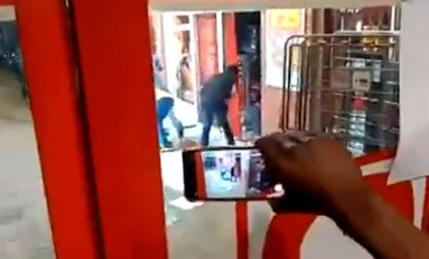 langa-liquor-store-looting-video-screengrabpng