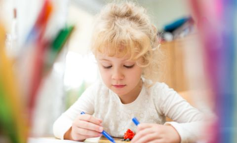 child-girl-daughter-drawing-colouring-pen-stationery-learning-pre-school-123rf