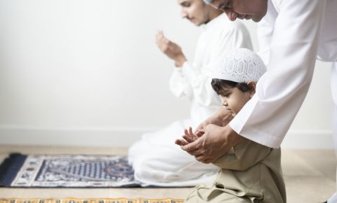 Mosque muslim child kid islam 123rf 123rflifestyle