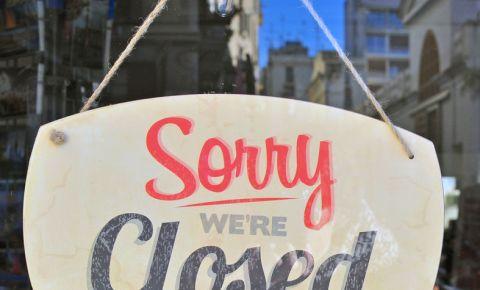 Sorry we're closed sign restaurants covid19 coronavirus 123rf