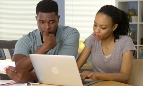 household-bills-debt-expenses-money-finances-black-young-couple-worried-123rf